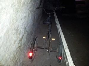 Le tricycle dans la cave