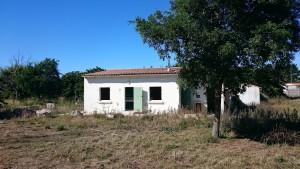 Ancien camping abandonné de l'île de Ré - Un bloc sanitaire