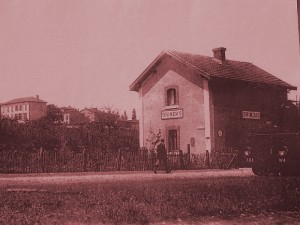 Ancienne gare de Brindas sur la ligne Fourvière Ouest-Lyonnais (FOL) - branche vers Mornant