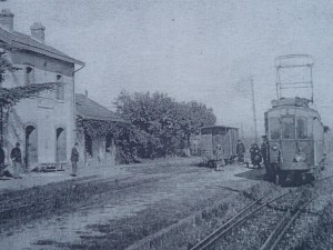 Vue ancienne de la gare de Messimy sur la ligne Fourvière Ouest-Lyonnais (FOL) - branche vers Mornant