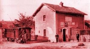 """Vaugneray : gare du Fourvière Ouest Lyonnais (FOL) à """"Maisons-Blanches"""" dans les premières années d'exploitation"""