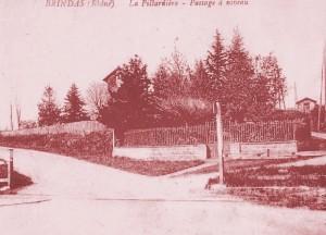 """Brindas : passage à niveau à la Pillardière et villa """"Santucci"""" sur la ligne Fourvière Ouest-Lyonnais (FOL) - branche vers Mornant"""