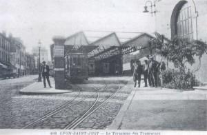 Gare de Saint-Just, terminus des tramways de l'Ouest Lyonnais, notamment de la compagnie Fourvière Ouest Lyonnais (FOL)