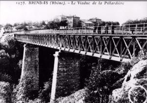 Brindas : viaduc de la Pillardière sur la ligne Fourvière Ouest-Lyonnais (FOL) - branche vers Mornant