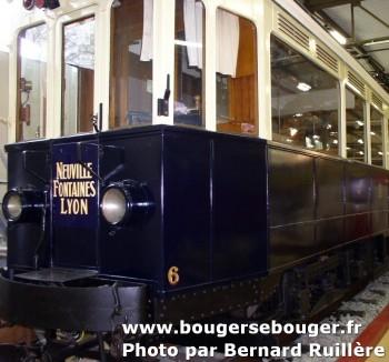 """Motrice du """"Train Bleu"""" TLN de Lyon à Neuville-sur-Saône restaurée et exposée au musée de l'automobile Henri Malartre de Rochetaillée-sur-Saône"""