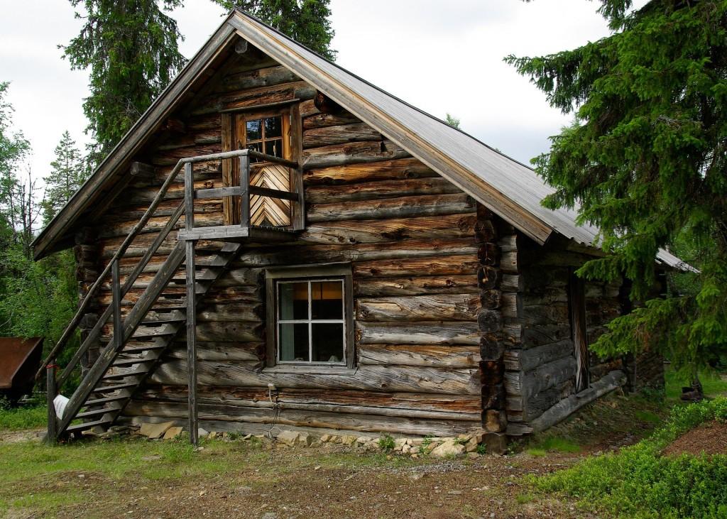 Une cabane en bois en Finlande (Pixabay photo par Jacqueline Macou)