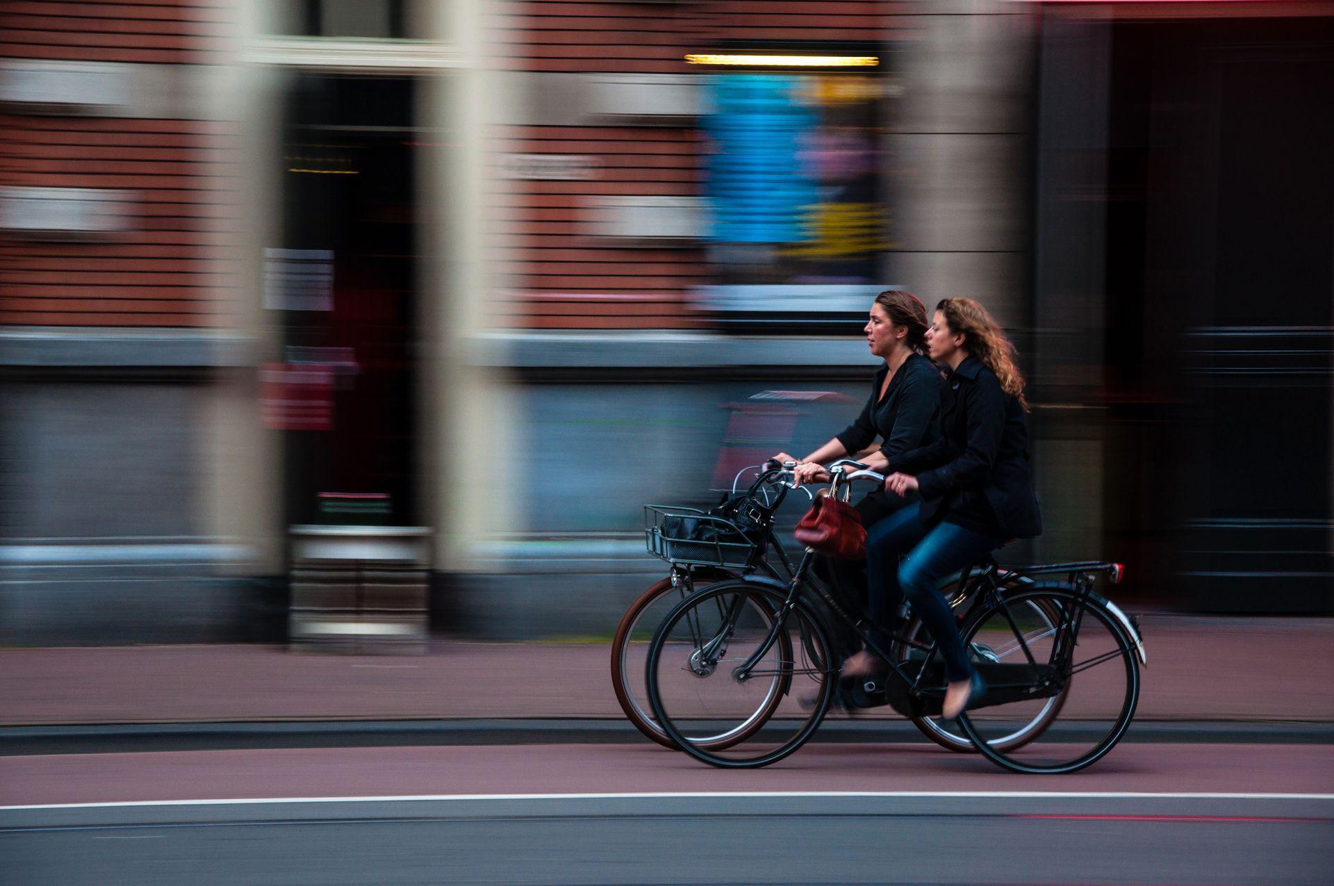 """Déplacement quotidien (ou """"utilitaire"""") à vélo en ville"""
