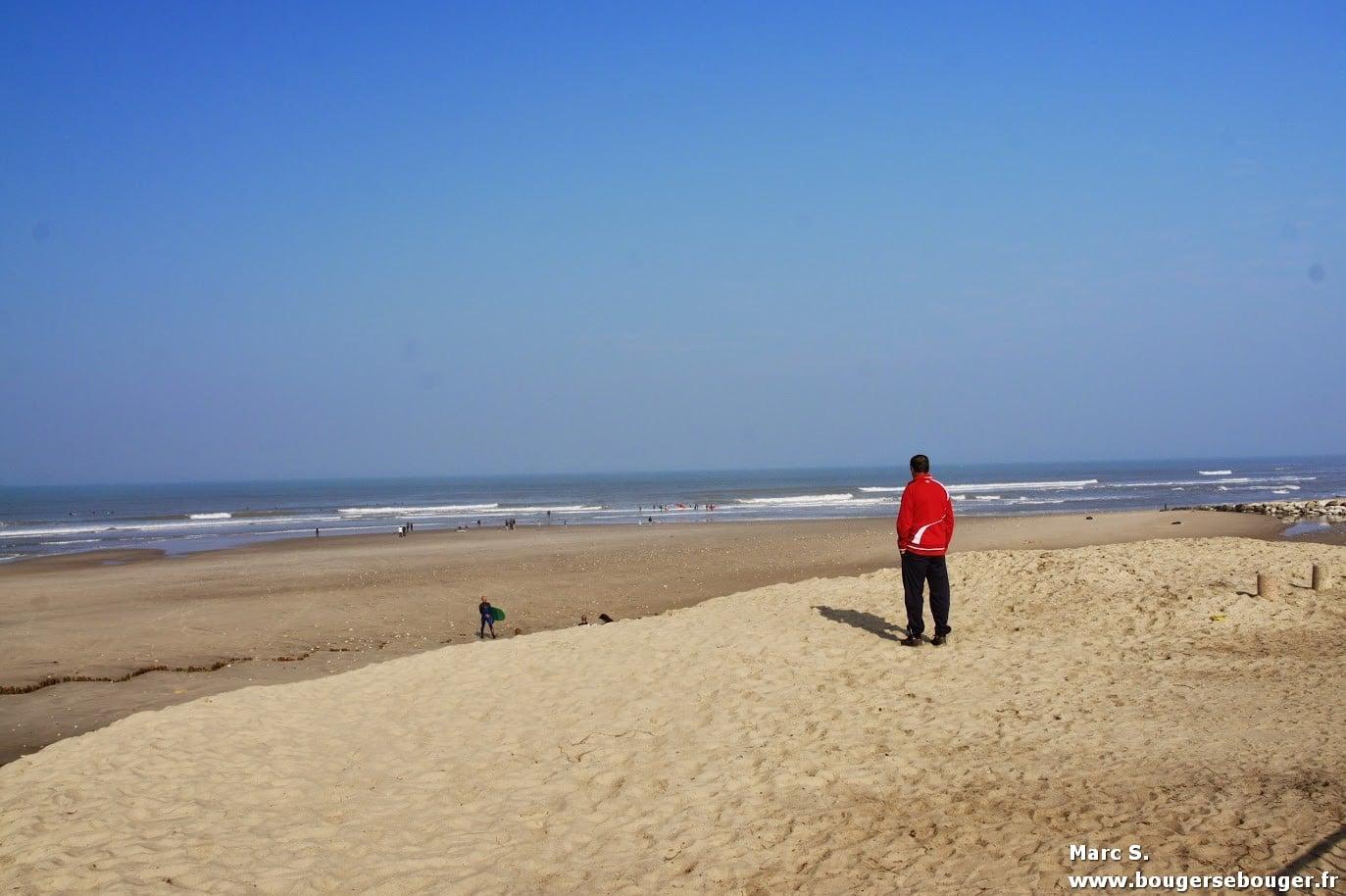 Lors d'une rando vélo entre Charentes, Saintonge et Médoc, vue de la plage de Soulac-su-Mer en avril 2014. On ne se rend pas compte que quelques semaines avant, une tempête a ravagé la dune et la jetée.
