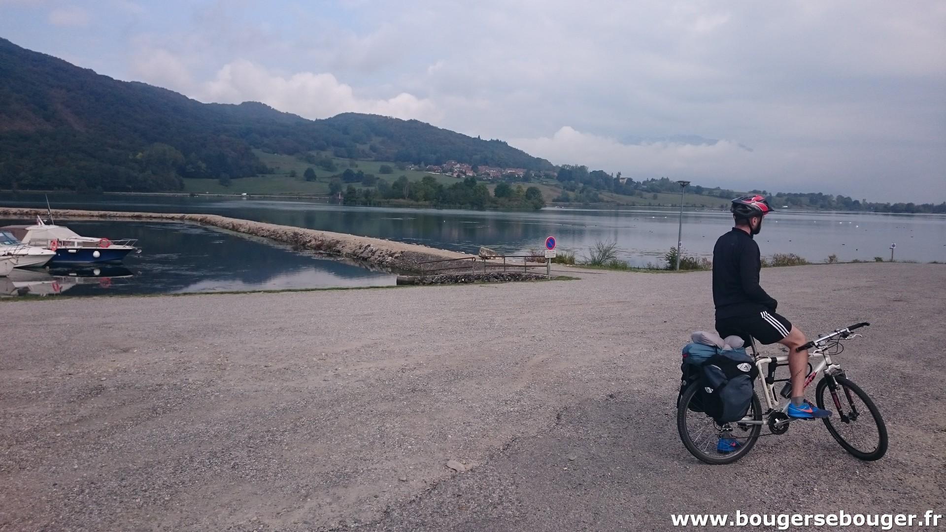 Plan d'eau de Massignieu-de-Rives, près de Belley (Ain) (Rando vélo d'Aix-les-Bains à Lyon par la ViaRhôna)